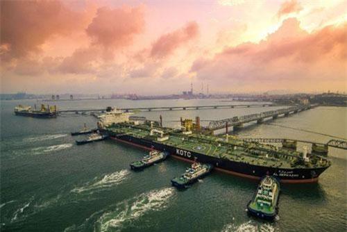 Tàu chở dầu tại thành phố Thanh Đảo, tỉnh Sơn Đông, Trung Quốc (Ảnh: Getty)