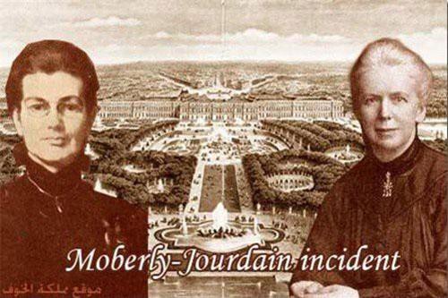 Một trong những câu chuyện du hành thời gian được biết đến nhiều nhất là câu chuyện của hai người phụ nữ có tên Charlotte Anne Moberly (1846–1937) và Eleanor Jourdain (1863–1924).
