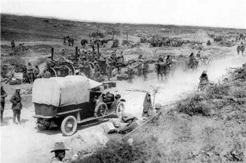 Trận Somme diễn ra từ tháng 7-9/1916 trong Chiến tranh Thế giới I giữa quân Đức đóng trên tuyến phỏng thủ dài 40 km dọc sông Somme ở miền Bắc nước Pháp với quân Anh – Pháp. Với hơn một triệu người thương vong, đây được xem là một trong số những trận đánh đẫm máu nhất lịch sử loài người. Dù quân liên minh không bẻ gãy được phòng tuyến Đức, chiến dịch này đã đặt nền tảng cho những thay đổi lớn lao của cục diện chiến tranh, nên được xem là một trận đánh quan trọng của lịch sử thế giới.