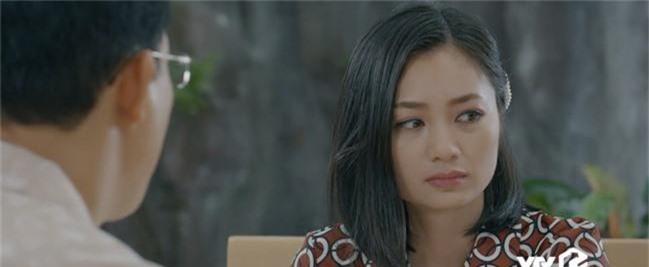 Giả thuyết: Thái không phải là gã chồng duy nhất sắp bị vợ bỏ trong Hoa Hồng Trên Ngực Trái, Dũng - chồng San cũng sắp ra rìa?  - Ảnh 3.