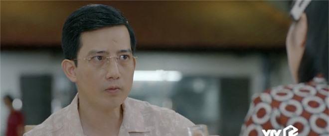 Giả thuyết: Thái không phải là gã chồng duy nhất sắp bị vợ bỏ trong Hoa Hồng Trên Ngực Trái, Dũng - chồng San cũng sắp ra rìa?  - Ảnh 8.