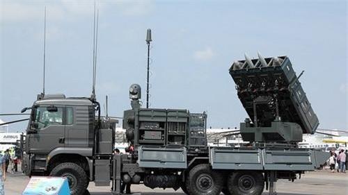 Xe mang phóng tự hành của tổ hợp tên lửa phòng không tầm ngắn SPYDER-SR. Ảnh: Defence Blog.