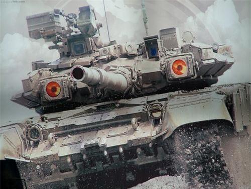 Xe tăng T-90 với đôi mắt đỏ - Đèn nhiễu OTShU-1-7 thuộc hệ thống Shtora-1. Ảnh: Military Today.