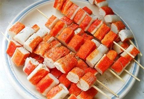 Theo công thức thông thường, từ 100 tấn cá người ta có thể sản xuất ra được 15 tấn surimi thành phẩm.