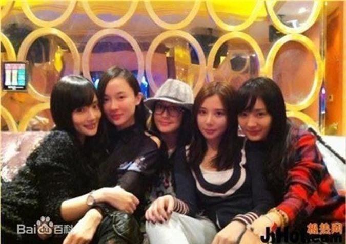 "3 sao Hoa ngu tra mai khong het nghiep vi danh ""ban deu""-Hinh-8"