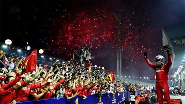 Đua xe F1: Sebastian Vettel giành chiến thắng tại GP Singapore 2019 - Ảnh 3.