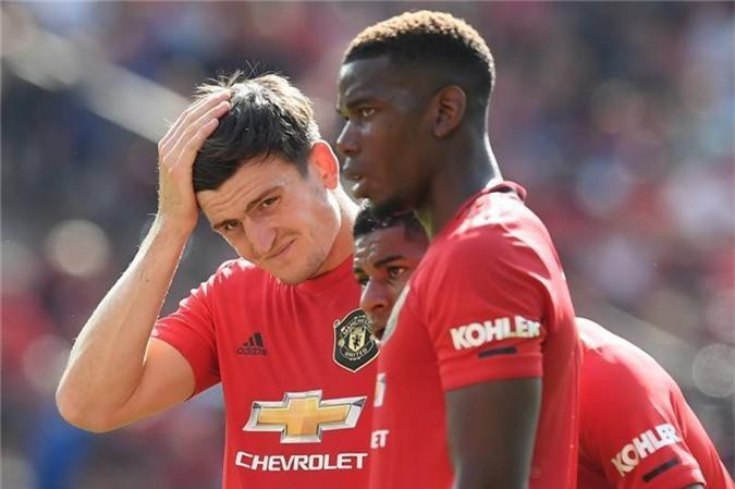 Mourinho phán MU căng, Ronaldo nổi tam bành
