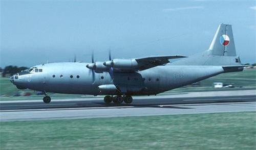 Máy bay vận tải An-12 của Không quân Cộng hòa Czech. Ảnh: Wikipedia.