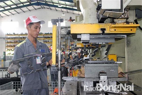 Sản xuất hàng xuất khẩu vào thị trường CPTPP của Công ty TNHH công nghiệp Boss ở Khu công nghiệp Sông Mây (huyện Trảng Bom). Ảnh: K.Minh