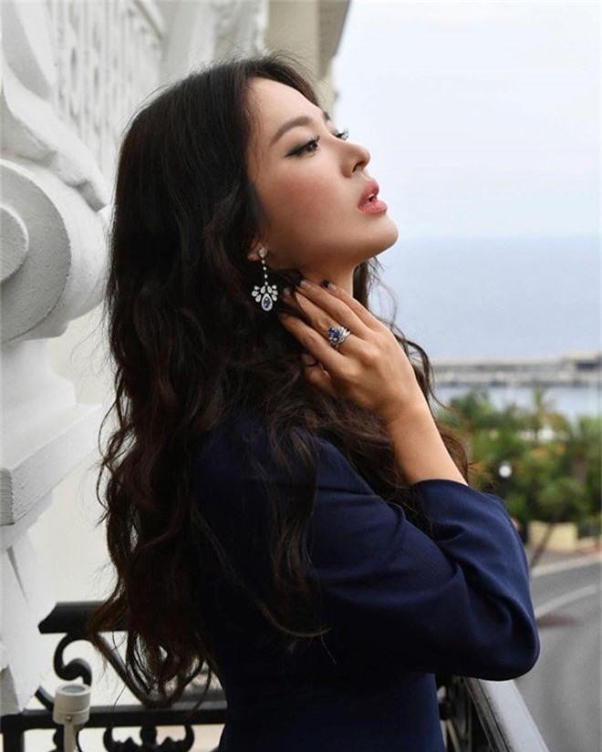 Hai thái cực hậu ly hôn mang tên Song Hye Kyo - Goo Hye Sun: Kẻ ngẩng cao đầu bước ra khỏi tình yêu hết hạn, người cô đơn bám víu lấy tấm áo hôn nhân rách nát-5