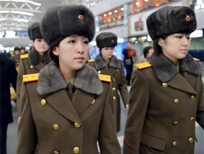 Ve dep lanh lung day cuon hut cua nu binh si Trieu Tien-Hinh-11