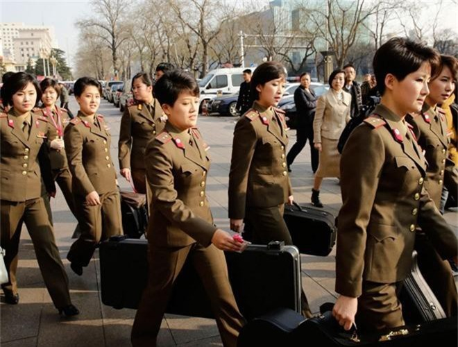Ve dep lanh lung day cuon hut cua nu binh si Trieu Tien-Hinh-2