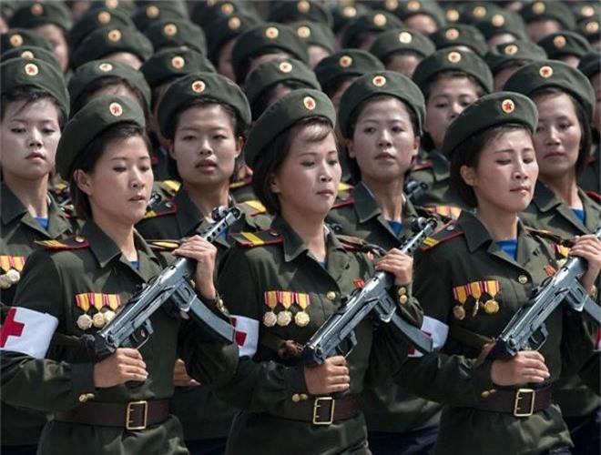 Ve dep lanh lung day cuon hut cua nu binh si Trieu Tien-Hinh-3