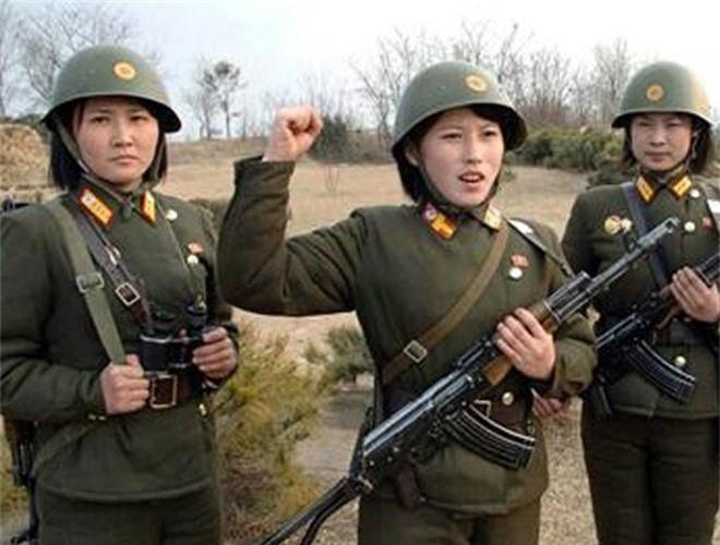 Ve dep lanh lung day cuon hut cua nu binh si Trieu Tien-Hinh-4