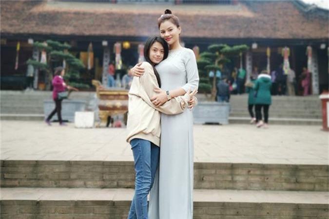 Vu Thu Phuong song cung con rieng cua chong, hon nhan co vien man?-Hinh-10