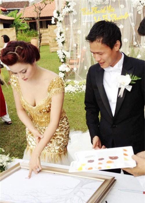 Vu Thu Phuong song cung con rieng cua chong, hon nhan co vien man?-Hinh-3