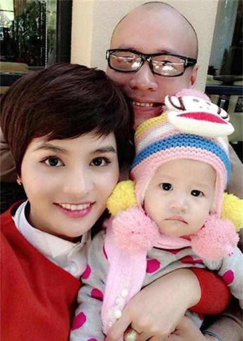 Vu Thu Phuong song cung con rieng cua chong, hon nhan co vien man?-Hinh-5