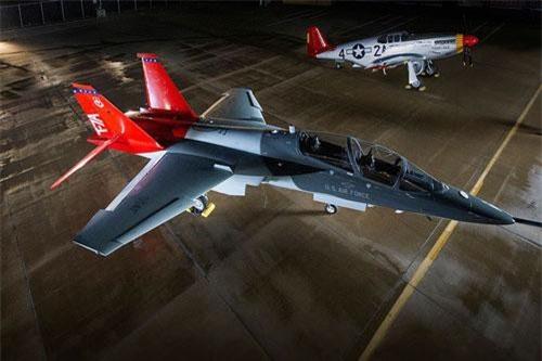 Ứng viên được Không quân Mỹ lựa chọn để trở thành người thay thế cho chiếc T-38 Talon chính là chiếc T-7 Red Hawk do Boeing sản xuất. Nguồn ảnh: BI.