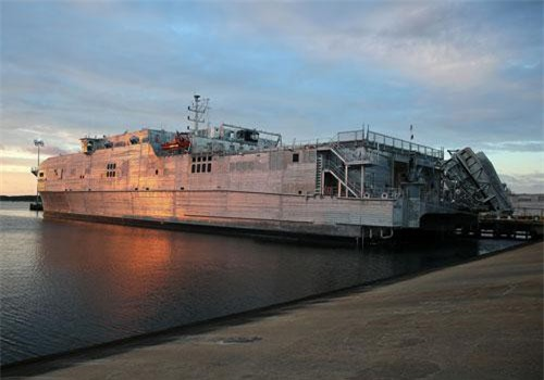Chủ nhật vừa rồi, tàu chỉ huy hậu cần USNS Yuma của Hải quân Mỹ đã tiến vào biển Đen - đây là lần thứ ba trong năm 2019 này, tàu USNS Yuma tiến vào vùng biển Đen. Nguồn ảnh: QQ.