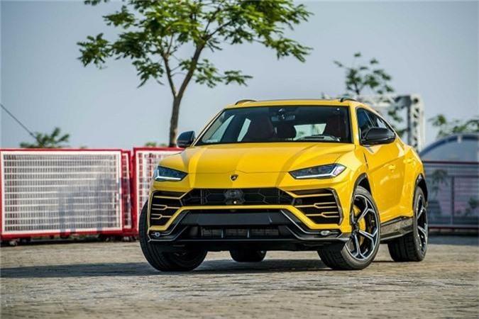 Lamborghini Urus thứ 4 mới về nước theo diện chính hãng có màu vàng độc lạ.