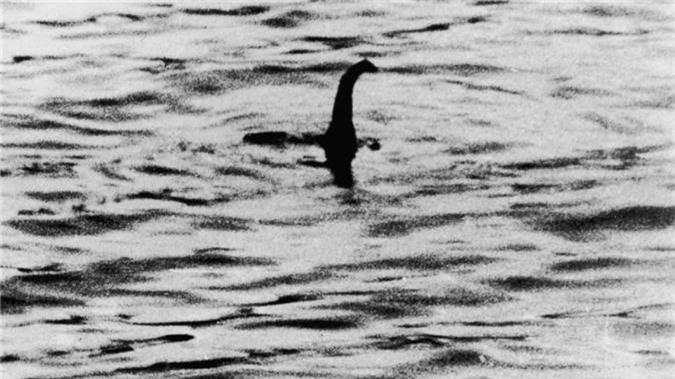 "Vi sao con nguoi ""dien cuong"" san lung quai vat ho Loch Ness?"