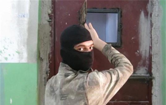 """Dot nhap """"dia nguc"""" nhot hang nghin tu binh IS tai Syria-Hinh-5"""