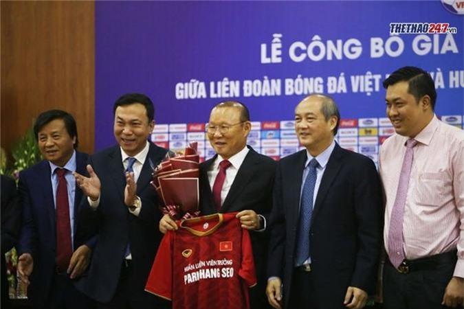 Hoàng Văn Phúc, Park Hang Seo, VFF, Hợp đồng mới Park Hang Seo, ĐT Việt Nam, bóng đá Việt Nam