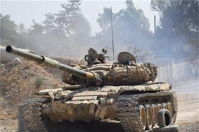 Tro lai Tal Tamr, quan doi Syria mang theo nhieu vu khi hang nang-Hinh-12