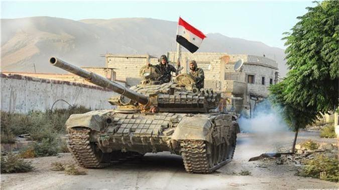 Tro lai Tal Tamr, quan doi Syria mang theo nhieu vu khi hang nang-Hinh-13