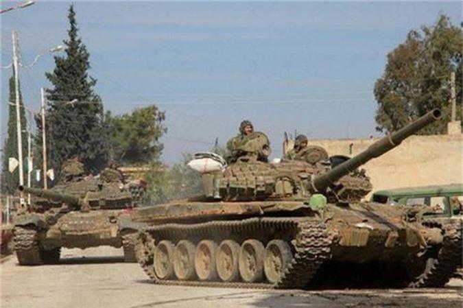 Tro lai Tal Tamr, quan doi Syria mang theo nhieu vu khi hang nang-Hinh-14