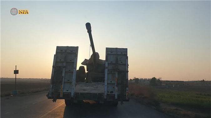Tro lai Tal Tamr, quan doi Syria mang theo nhieu vu khi hang nang-Hinh-2