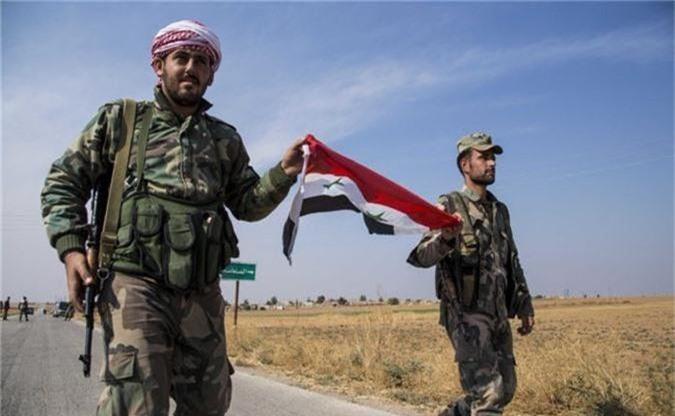 Tro lai Tal Tamr, quan doi Syria mang theo nhieu vu khi hang nang-Hinh-7