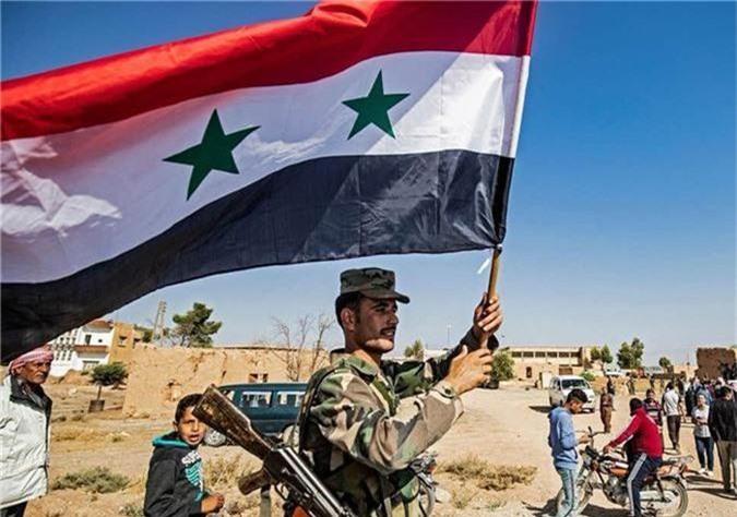 Tro lai Tal Tamr, quan doi Syria mang theo nhieu vu khi hang nang-Hinh-8