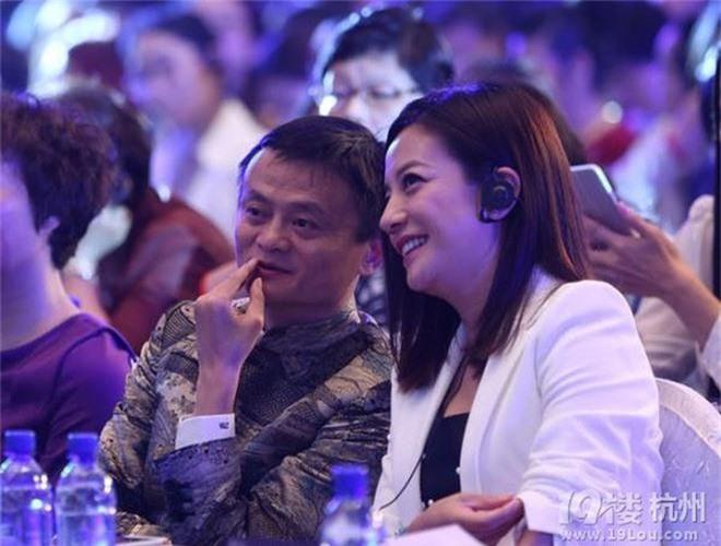 """""""Tỷ phú giàu nhất Trung Quốc"""" được Lý Liên Kiệt ra sức bảo vệ, nửa làng giải trí Hoa ngữ muốn kết thân - Ảnh 12."""