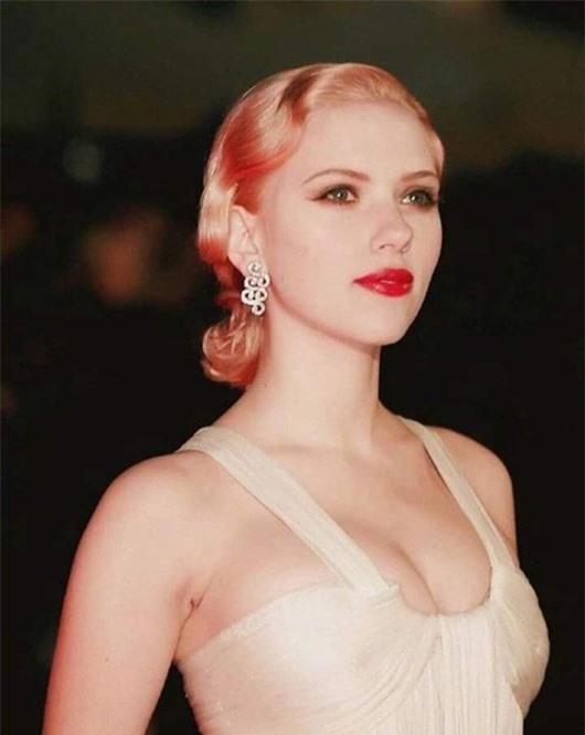 """Ảnh thời trẻ đẹp như tiên nữ của """"biểu tượng gợi cảm"""" Scarlett Johansson - Ảnh 9"""