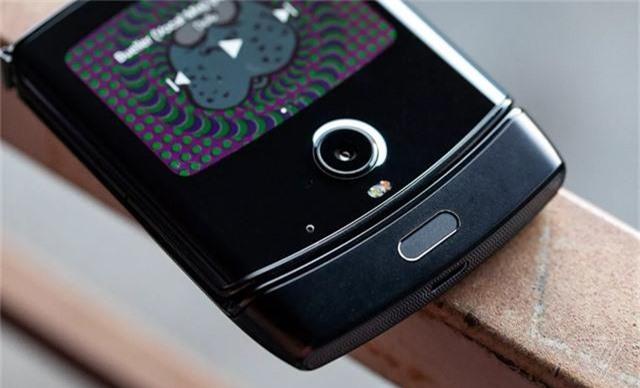 Chính thức: Motorola Razr được hồi sinh, giá bán 1.500 USD - Ảnh 6.