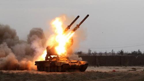 Hệ thống phun lửa hạng nặng TOS-2 của Nga ra mắt trong lễ duyệt binh tháng 5/2020