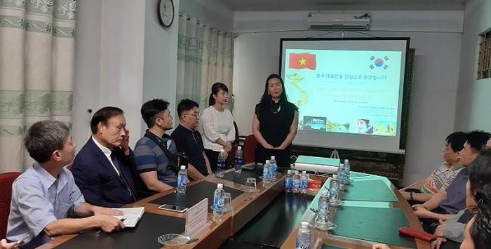 Bà Nguyễn Thị Thuận - Ủy viên Ban chấp hành VINASME giới thiệu về VINASME.