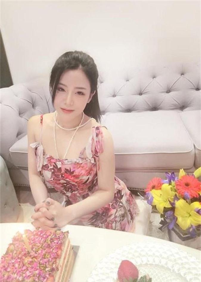 Do ve goi cam cua Dong Nhi va co em chong xinh nhu hot girl-Hinh-2