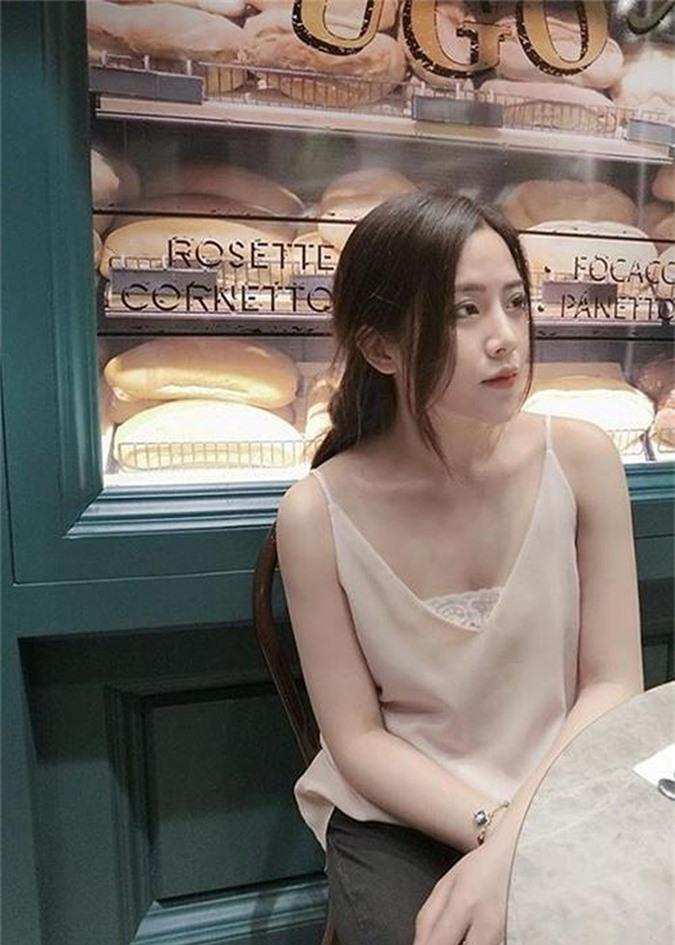Do ve goi cam cua Dong Nhi va co em chong xinh nhu hot girl-Hinh-5