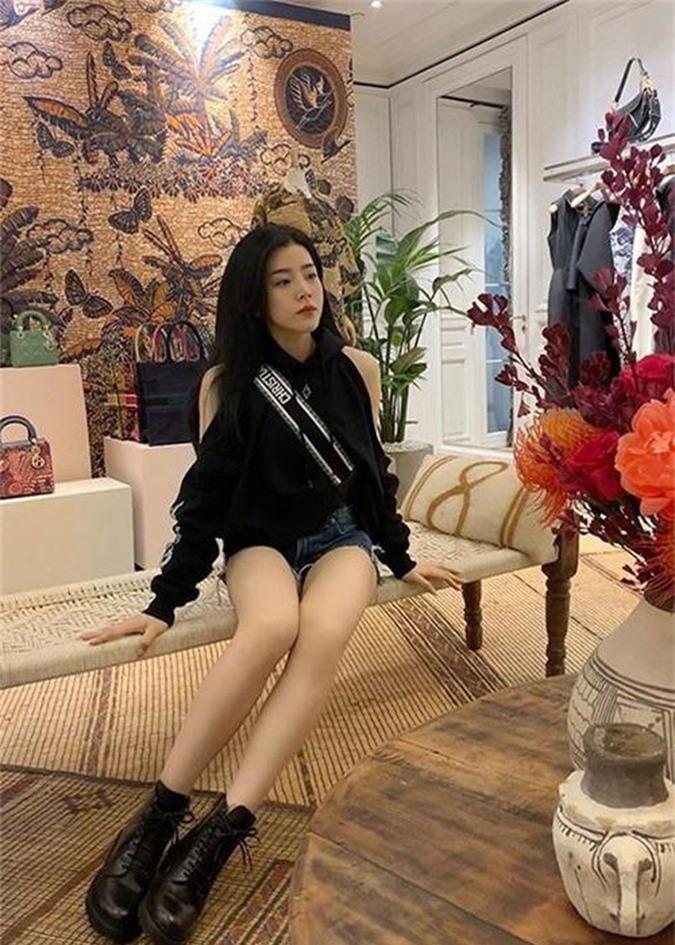 Do ve goi cam cua Dong Nhi va co em chong xinh nhu hot girl-Hinh-7