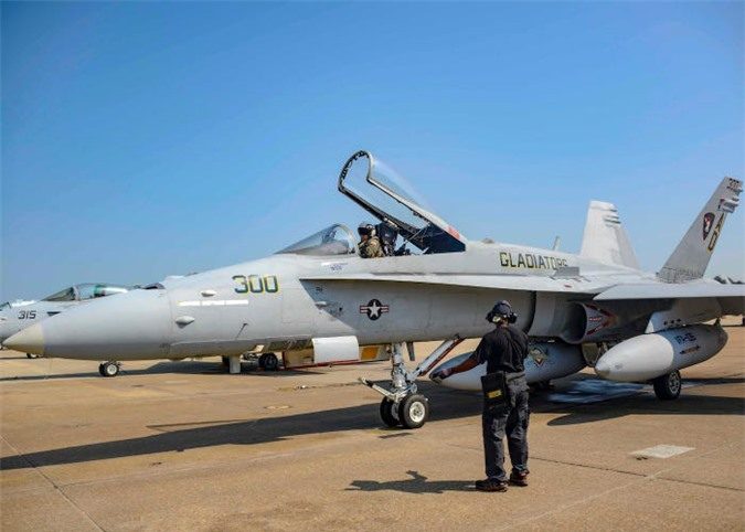 Su-27, F-22... va 10 may bay da thay doi lich su khong chien mai mai-Hinh-13