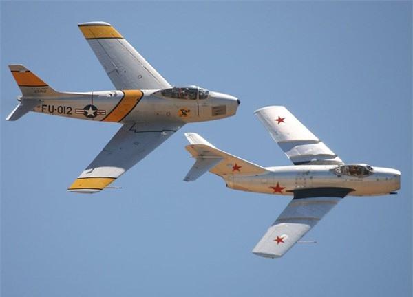 Su-27, F-22... va 10 may bay da thay doi lich su khong chien mai mai-Hinh-4