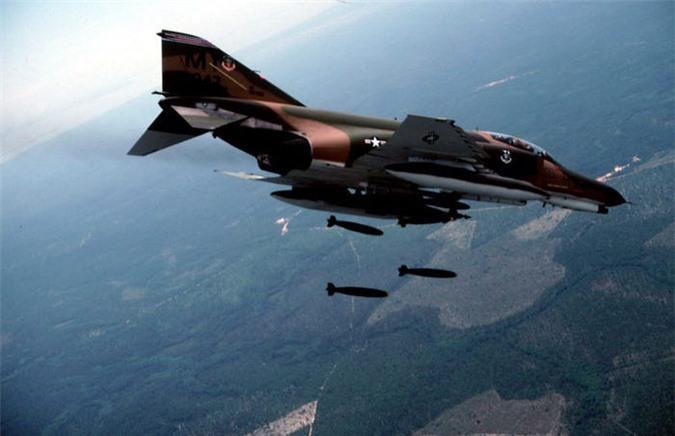 Su-27, F-22... va 10 may bay da thay doi lich su khong chien mai mai-Hinh-7