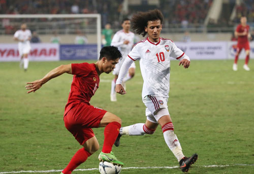 Tiền vệ UAE thẳng thắn chỉ trích HLV Bert van Marwijk sau trận thua trước ĐT Việt Nam