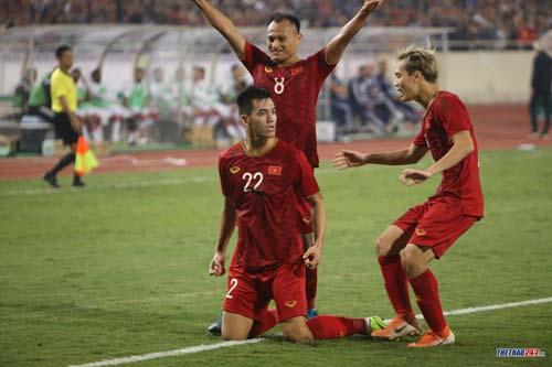 Tiến Linh đã có bàn thắng đáng nhớ vào lưới UAE. Ảnh: Văn Hải.