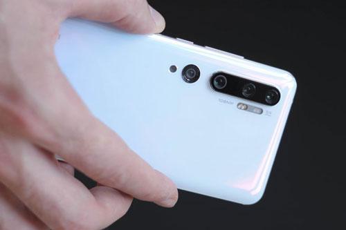 =1. Xiaomi Mi CC9 Pro (121 điểm).