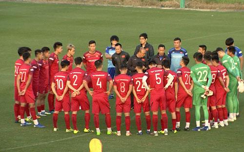 Đội hình mạnh nhất Việt Nam đấu Thái Lan: Tiến Linh đá cặp Công Phượng