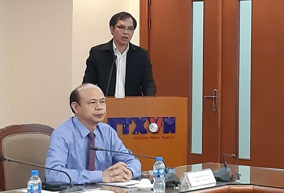 Ông Tô Hoài Nam (đứng) - Phó Chủ tịch Thường trực VINASME phát biểu tại lễ ra mắt.
