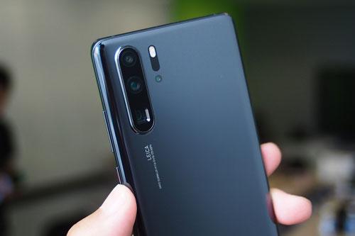 =6. Huawei P30 Pro (116 điểm).